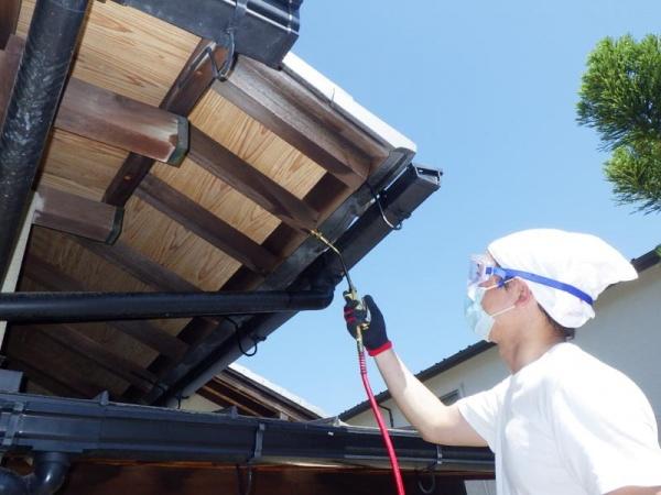 戸建て住宅のクマバチ駆除作業|京都市右京区スライダー3