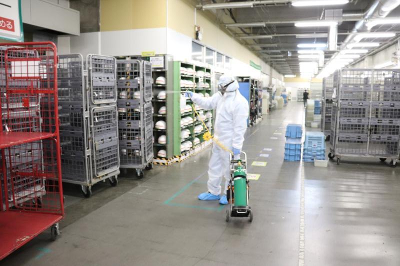 集配倉庫の新型コロナウィルス消毒作業|大阪市北区スライダー3