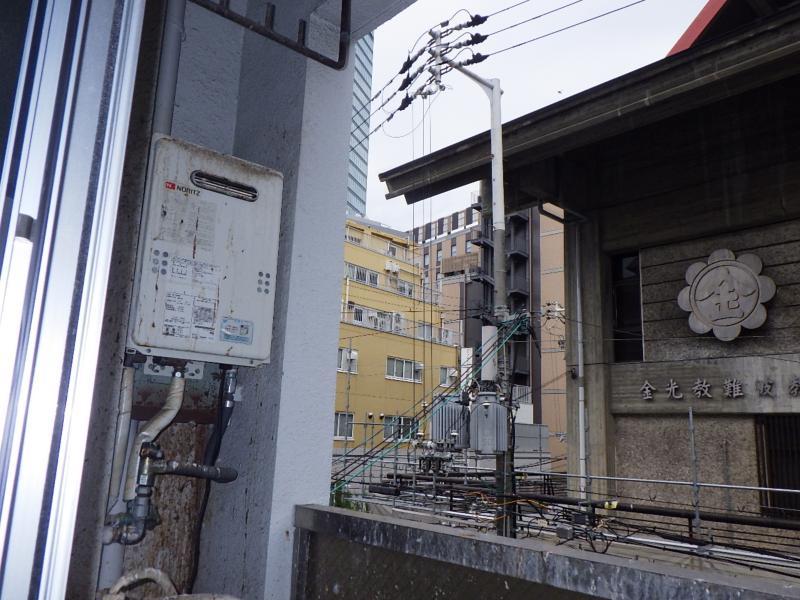 賃貸マンションの防鳥工事|大阪市中央区 イメージ