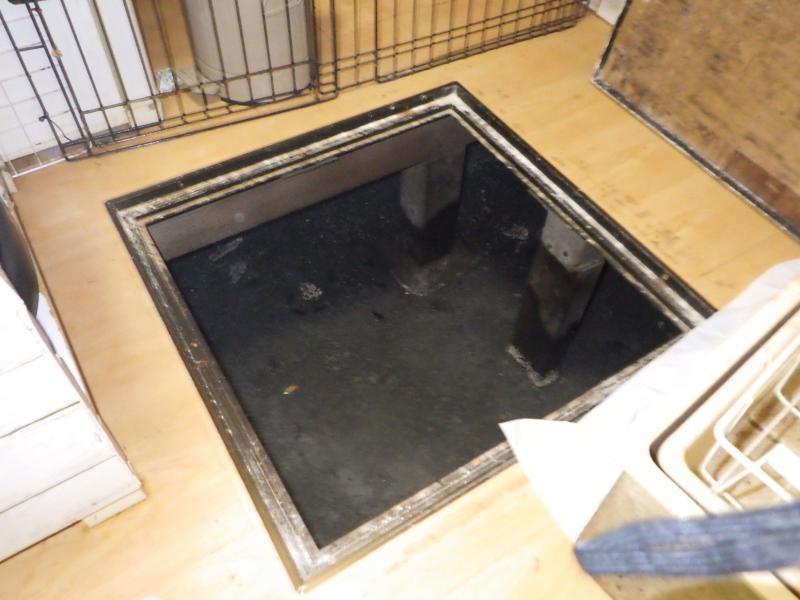 戸建て住宅の害虫防除作業|京都市伏見区 イメージ